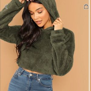 Tops - 🆕CROPPED FUZZY TEDDY HOODIE🔥🍁🍂